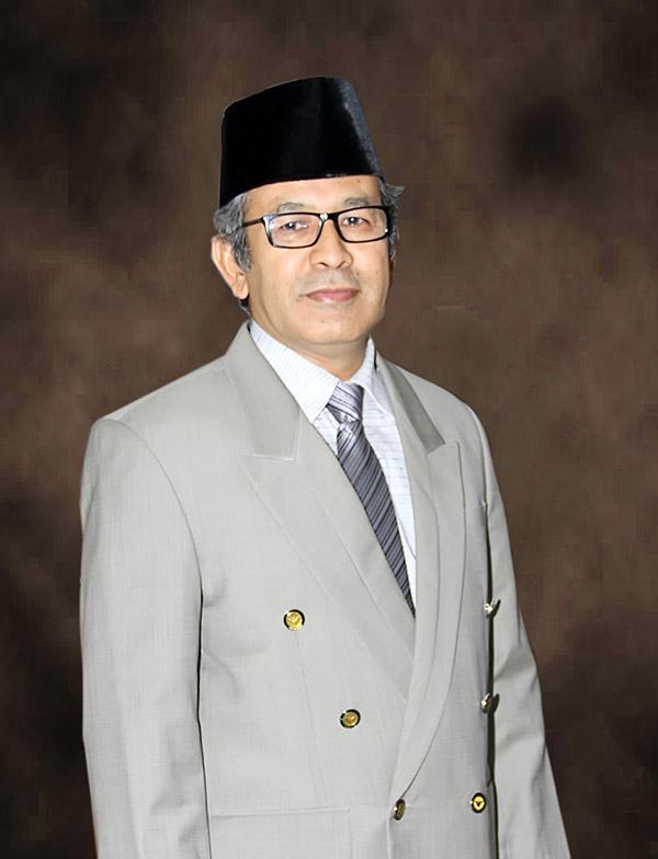 Prof Dr Almasdi Syahza SE MP (Ketua LPPM)