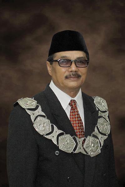Wakil Rektor Bidang Kemahasiswaan dan Alumni Dr Syapsan ME