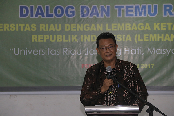 Sambutan oleh Wakil Rektor Bidang Perencanaan, Kerjasama dan Sistem Informasi UR