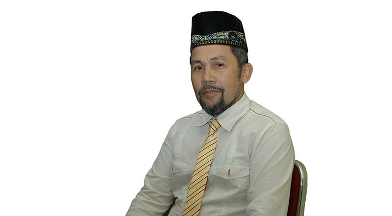 Azhar Kasymi SH (Kepala Biro Akademis dan Kemahasiswaan)