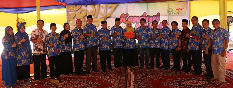 Foto Bersama Rektor Universitas Riau dan Jajaran Pimpinan