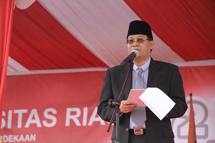 Rektor Unri Prof Dr Ir Aras Mulyadi DEA