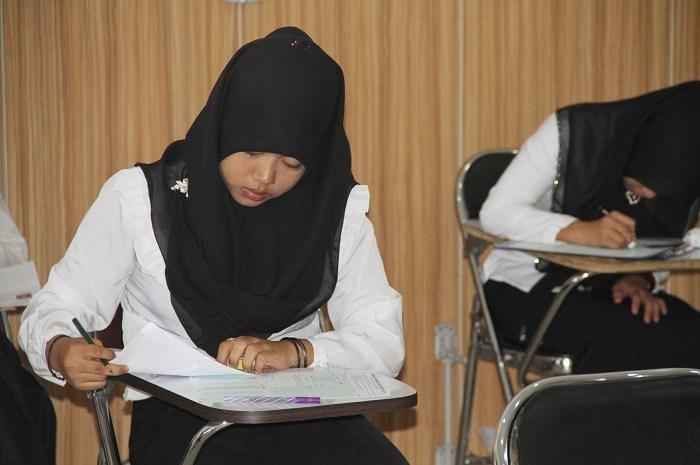 mahasiswa ujian sbmptn