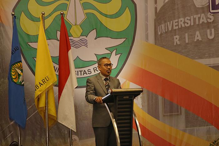 sambutan dekan fakultas keperawatan unri Prof Dr Usman M Tang MS