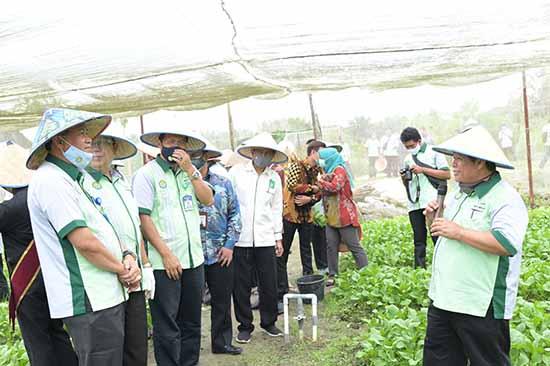 """Produk Unggulan Hasil Pertanian itu ada Di """"BALAI UNRI"""" (Sumber: HUMAS Universitas Riau)"""