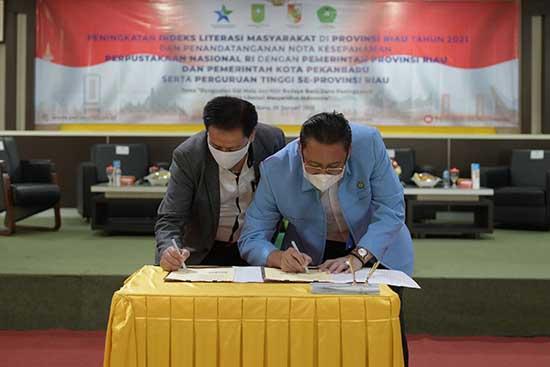 Pentingnya Literasi Untuk Meningkatkan SDM yang Unggul (Sumber: HUMAS Universitas Riau)