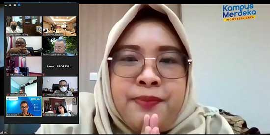 Paparan dan Review Kontrak Kerja Rektor Bersama Dewas UNRI (Sumber: HUMAS Universitas Riau)