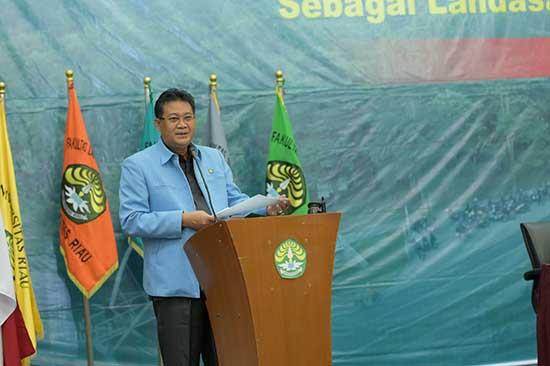 Mari Ciptakan LayananTerbaik! (Sumber: HUMAS Universitas Riau)