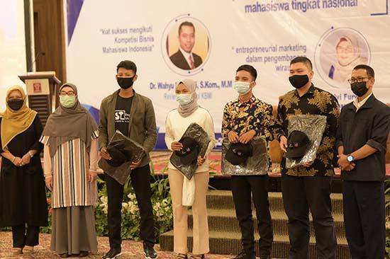 Kampus Ciptakan Lulusan Berwirausaha (Sumber: HUMAS Universitas Riau)